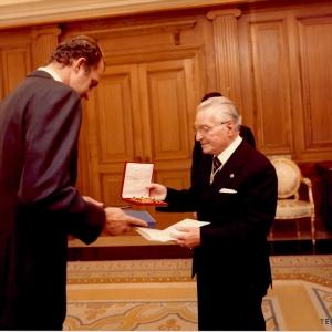 Entrega de la Medalla de Honor de la RACEF a SM el Rey D. Juan Carlos I, 20/11/1981 - 20/11/1981