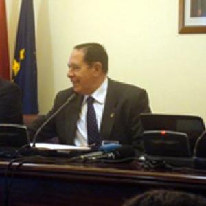 El Sr. D. Sandro Rosell, el Excmo. Sr. Dr. D. Lorenzo Gascón y el Dr. D. José María Gay en el seminario EMOS 09. 3/12/09 - 03/12/2009