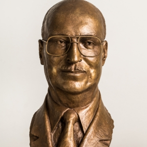 Busto de Mario Pifarré Riera - 23/11/2010