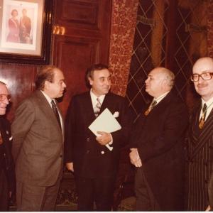 Academicos junto al M.H. president de la generalitat de catalunya Jordi Pujol, 12 de Diciembre de 1985 - 12/12/1985