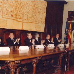 Ingreso de Rodríguez Castellanos como académico correspondiente nacional para LA RIOJA, 29/04/2002  - 29/04/2002