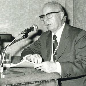 Luis Prat Torrent en un acto académico - 12/05/1975