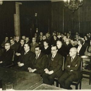 Asistentes al ingreso del Ilmo. Sr. Dr. D. Lucas Beltrán Flórez 18-02-1966  - 18/02/1966
