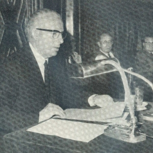 Excmo. Sr. D. Luis Prat Torrent en su conferencia en el Salón de Crónicas, 27/02/1967 - 27/02/1967