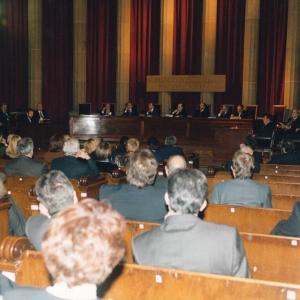 Asistentes al ingreso del Excmo. Sr. D. Juan Tapia Nieto, 10 de Diciembre de 1998  - 10/12/1998