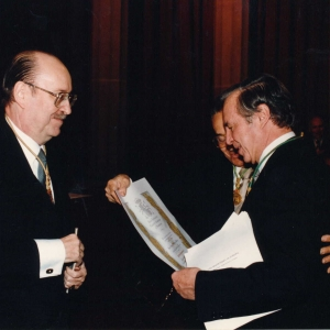 Ingreso del Excmo.Sr.D.José Ángel Sánchez Asiaín, 30 de noviembre de 1994 - 30/11/1994