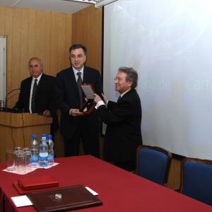 Entrega de la Medalla de honor al Dr. Filip Vujanovic - 18/05/2009